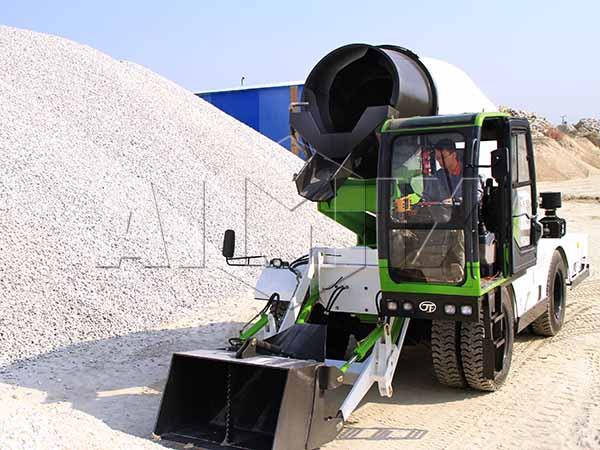 Удобный самоходный бетоносмеситель